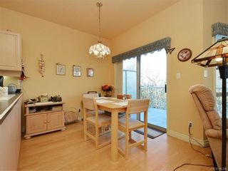 Photo 4: 11 4300 Stoneywood Lane in VICTORIA: SE Broadmead Row/Townhouse for sale (Saanich East)  : MLS®# 748264
