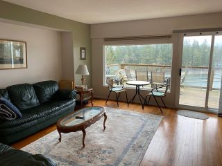 "Photo 11: 312 MUNROE Avenue: Cultus Lake House for sale in ""Cultus Lake Park"" : MLS®# R2537492"
