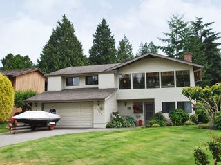 Photo 1: 12658 25A Avenue Avenue in Surrey: Crescent Bch Ocean Pk. House for sale (South Surrey White Rock)  : MLS®# F2823659