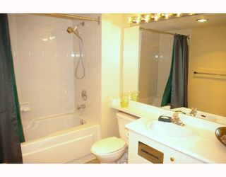 """Photo 9: 701 98 10TH Street in New_Westminster: Downtown NW Condo for sale in """"PLAZA POINTE"""" (New Westminster)  : MLS®# V774706"""