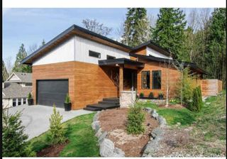 Photo 1: 7182 MARBLE HILL Road in Chilliwack: Eastern Hillsides House for sale : MLS®# R2509409
