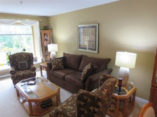Photo 2: 228 1252 TOWN CENTRE Boulevard in Coquitlam: Canyon Springs Condo for sale : MLS®# R2094814