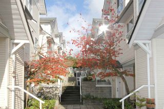 """Photo 8: 11 2711 E KENT AVENUE NORTH Avenue in Vancouver: Fraserview VE Townhouse for sale in """"RIVERSIDE GARDENS"""" (Vancouver East)  : MLS®# R2010542"""