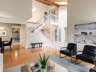 Photo 6: 2002 PUMP HILL Way SW in Calgary: Pump Hill Detached for sale : MLS®# C4204077