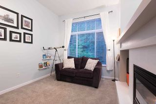 """Photo 3: 28 50 PANORAMA Place in Port Moody: Heritage Woods PM Townhouse for sale in """"ADVENTURE RIDGE"""" : MLS®# R2575105"""