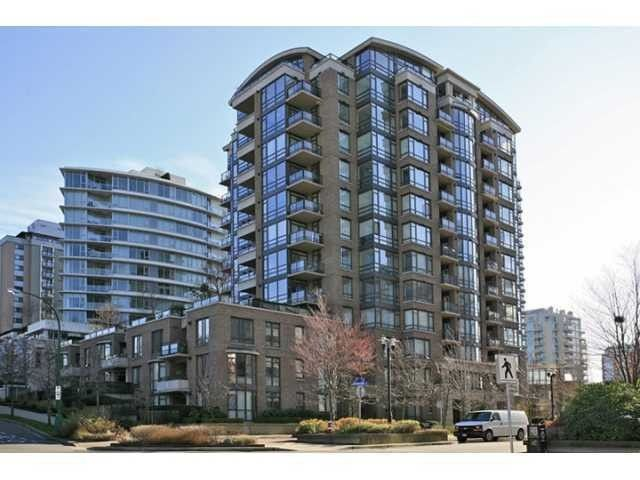 """Main Photo: 706 170 W 1ST Street in North Vancouver: Lower Lonsdale Condo for sale in """"ONE PARK LANE"""" : MLS®# V1016592"""