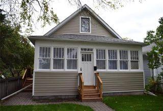 Photo 1: 631 Castle Avenue in Winnipeg: East Elmwood Residential for sale (3B)  : MLS®# 1926170