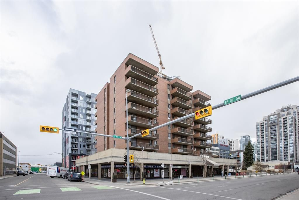 Main Photo: 402 1240 12 Avenue SW in Calgary: Beltline Apartment for sale : MLS®# A1144743