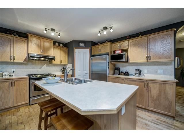Photo 14: Photos: 137 COVE Court: Chestermere House for sale : MLS®# C4090938
