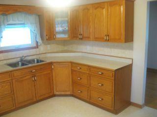 Photo 8: 102 Sadler Avenue in WINNIPEG: St Vital Residential for sale (South East Winnipeg)  : MLS®# 1220866