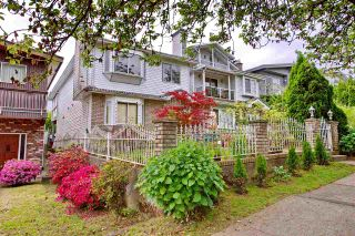 Photo 3: 424 E 22ND Avenue in Vancouver: Fraser VE House for sale (Vancouver East)  : MLS®# R2195636