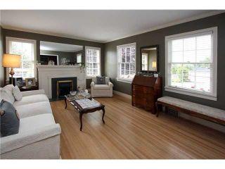 Photo 2: 827 15th Street in New Westminster: Multifamily  : MLS®# V840518