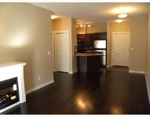 """Main Photo: 204 2336 WHYTE Avenue in Port_Coquitlam: Central Pt Coquitlam Condo for sale in """"THE CENTREPOINTE"""" (Port Coquitlam)  : MLS®# V725122"""