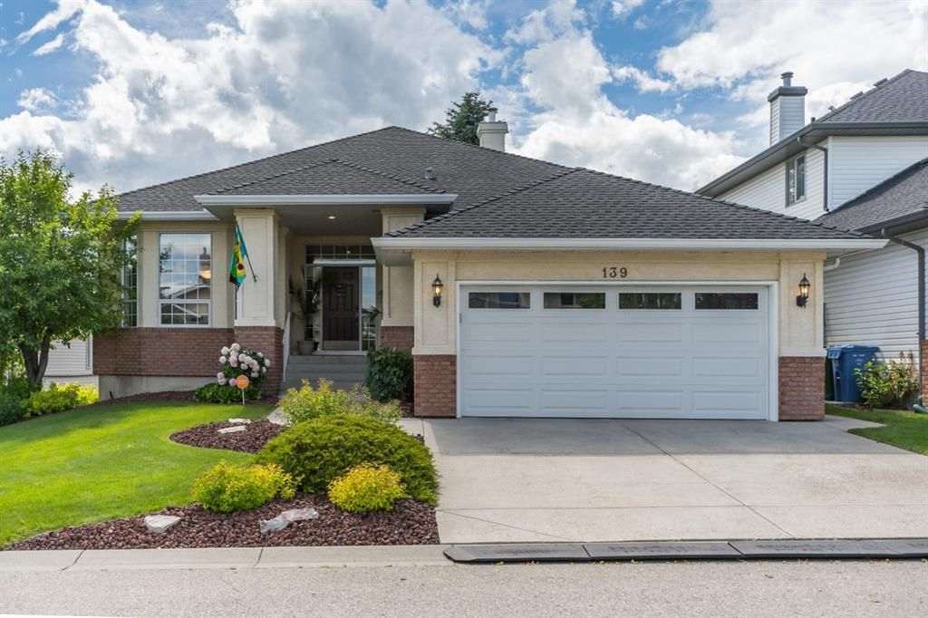 Main Photo: 139 Valley Ridge Green NW in Calgary: Valley Ridge Detached for sale : MLS®# A1038086