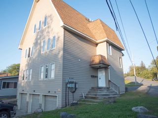 Photo 1: 1 20 Emily Street in Parry Sound: House (3-Storey) for lease : MLS®# X5370284