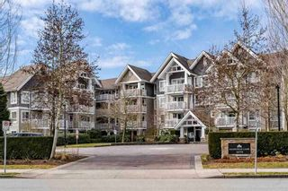 """Photo 1: 403 20750 DUNCAN Way in Langley: Langley City Condo for sale in """"Fairfield Lane"""" : MLS®# R2428188"""
