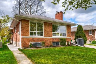 Photo 3: 8 Dumbarton Road in Toronto: Stonegate-Queensway House (Bungalow) for sale (Toronto W07)  : MLS®# W5232182