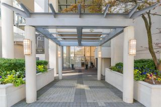 """Photo 2: 1101 1228 W HASTINGS Street in Vancouver: Coal Harbour Condo for sale in """"PALLADIO"""" (Vancouver West)  : MLS®# R2573352"""