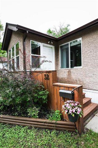 Photo 3: 32 Stranmillis Avenue in Winnipeg: St Vital Residential for sale (2D)  : MLS®# 202114383
