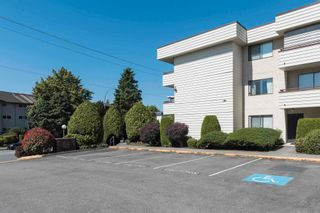 """Photo 3: 210 32885 GEORGE FERGUSON Way in Abbotsford: Central Abbotsford Condo for sale in """"FAIRVIEW MANOR"""" : MLS®# R2596928"""