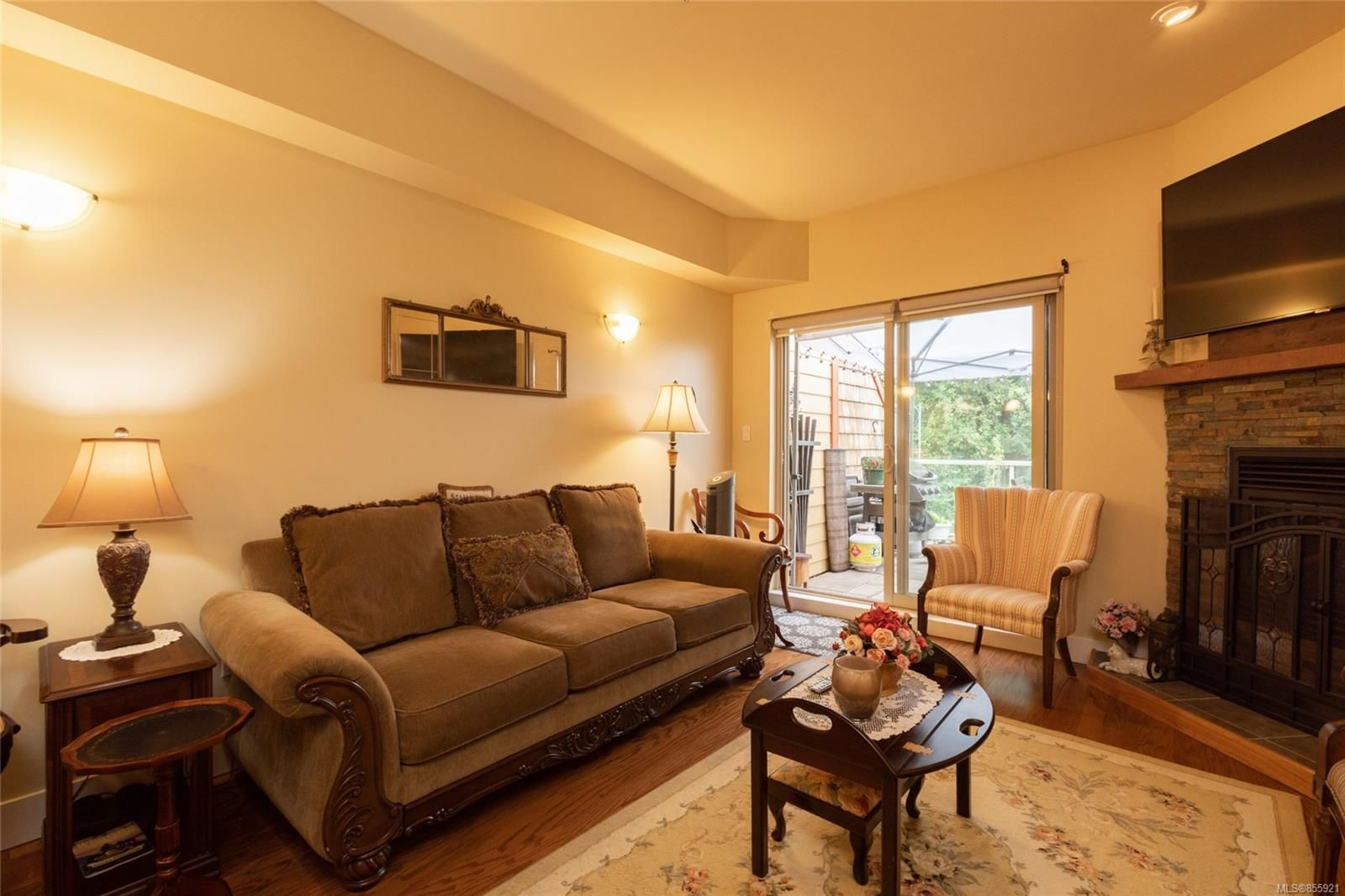 Photo 11: Photos: 206 1244 4TH Ave in : Du Ladysmith Row/Townhouse for sale (Duncan)  : MLS®# 855921
