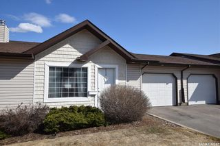 Photo 1: 39 135 Keedwell Street in Saskatoon: Willowgrove Residential for sale : MLS®# SK866829