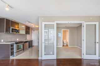 """Photo 11: 2701 9981 WHALLEY Boulevard in Surrey: Whalley Condo for sale in """"PARK PLACE ii"""" (North Surrey)  : MLS®# R2608443"""