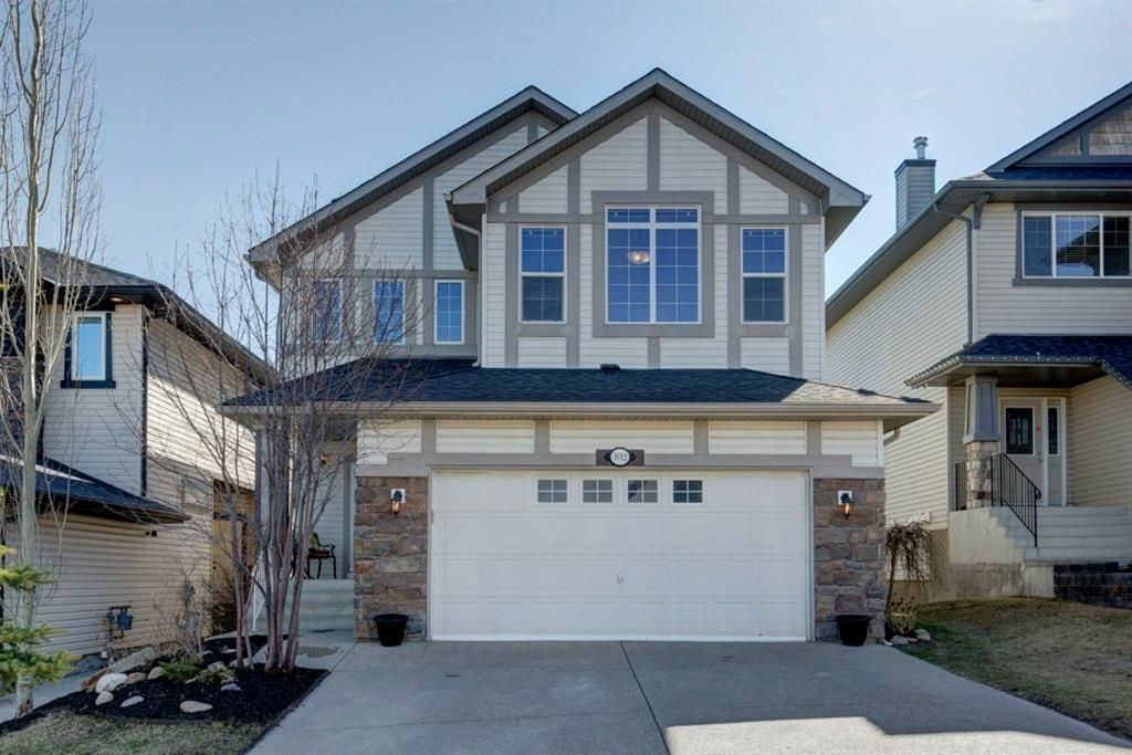 Main Photo: 102 Crestbrook Hill SW in Calgary: Crestmont Detached for sale : MLS®# A1100140