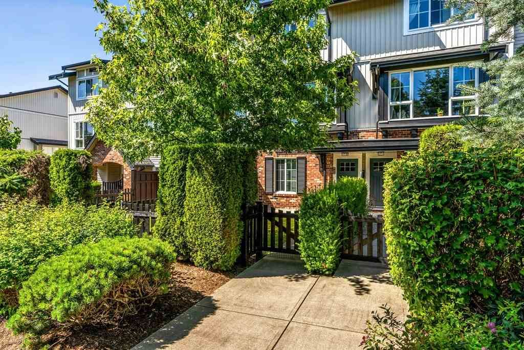 Main Photo: 61 2450 161A STREET in Surrey: Grandview Surrey Townhouse for sale (South Surrey White Rock)  : MLS®# R2475654