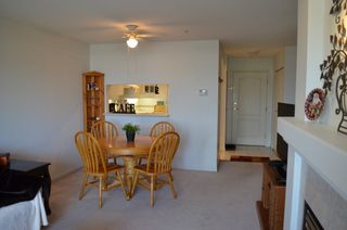 """Photo 5: 229 19528 FRASER Highway in Surrey: Cloverdale BC Condo for sale in """"FAIRMONT"""" (Cloverdale)  : MLS®# R2087979"""
