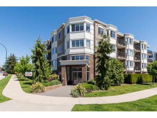"Main Photo: PH5 15357 ROPER Avenue: White Rock Condo for sale in ""REGENCY COURT"" (South Surrey White Rock)  : MLS®# R2068178"