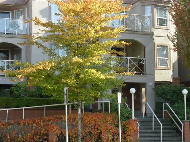 """Main Photo: 305 2380 SHAUGHNESSY Street in Port Coquitlam: Central Pt Coquitlam Condo for sale in """"ELK COURT"""" : MLS®# V855829"""