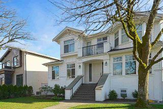 Photo 3: 2478 UPLAND Drive in Vancouver: Fraserview VE House for sale (Vancouver East)  : MLS®# R2560967
