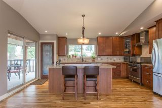 Photo 3: 2245 GALE Avenue in Coquitlam: Central Coquitlam House for sale : MLS®# R2201971