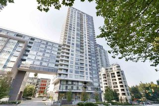"Photo 1: 1607 5515 BOUNDARY Road in Vancouver: Collingwood VE Condo for sale in ""WALL CENTRE CENTRAL PARK"" (Vancouver East)  : MLS®# R2520242"