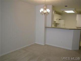 Photo 5: 211 1083 Tillicum Rd in VICTORIA: Es Kinsmen Park Condo for sale (Esquimalt)  : MLS®# 573943