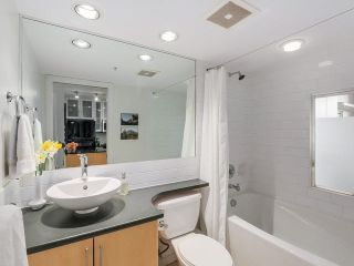 """Photo 8: 707 1225 RICHARDS Street in Vancouver: Downtown VW Condo for sale in """"THE EDEN"""" (Vancouver West)  : MLS®# V1112372"""