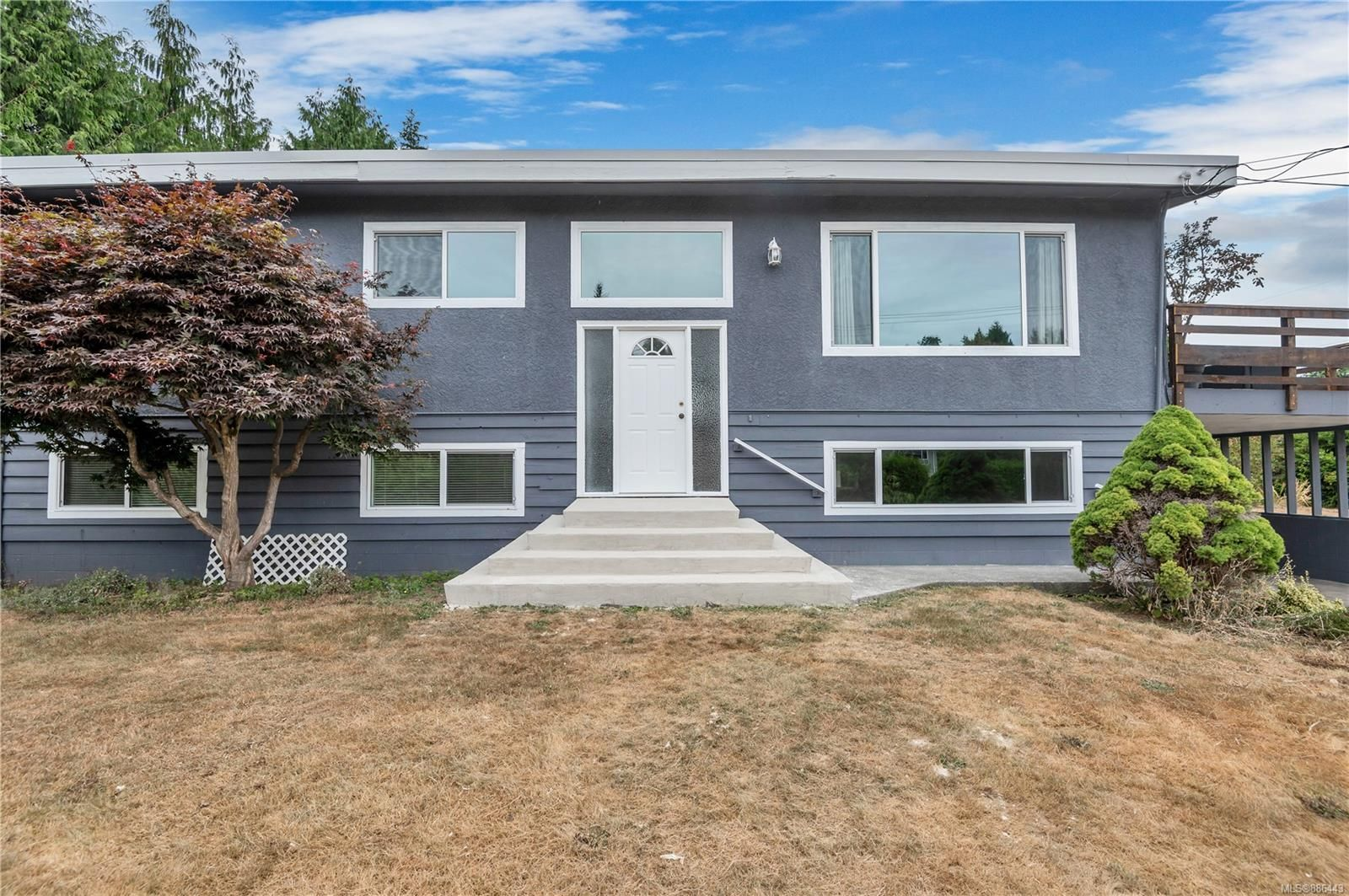 Main Photo: 90 Petersen Rd in : CR Campbell River Central House for sale (Campbell River)  : MLS®# 886443