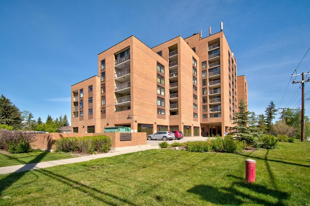 Main Photo: 311 8604 48 Avenue NW in Calgary: Bowness Apartment for sale : MLS®# A1113873