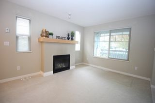 """Photo 4: 4 19250 65 Avenue in Surrey: Clayton Townhouse for sale in """"Sunberry Court"""" (Cloverdale)  : MLS®# R2408587"""