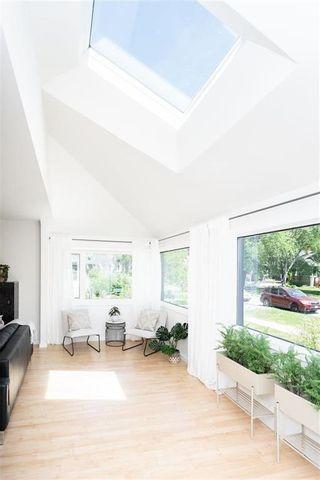 Photo 8: 492 Sprague Street in Winnipeg: Wolseley Residential for sale (5B)  : MLS®# 202113881