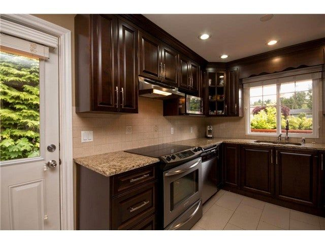 Photo 2: Photos: 780 Blythwood Drive in North Vancouver: Delbrook House for rent
