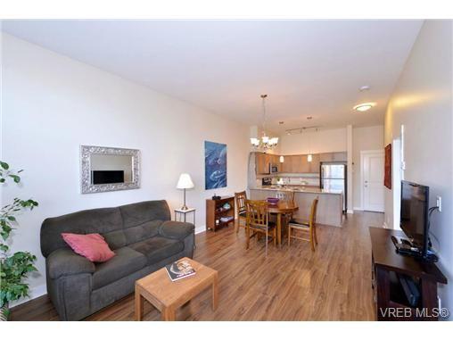 Photo 5: Photos: 103 662 Goldstream Ave in VICTORIA: La Fairway Condo for sale (Langford)  : MLS®# 717329