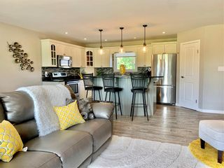 Photo 12: 214 Campbell Avenue West in Dauphin: Dauphin Beach Residential for sale (R30 - Dauphin and Area)  : MLS®# 202115875