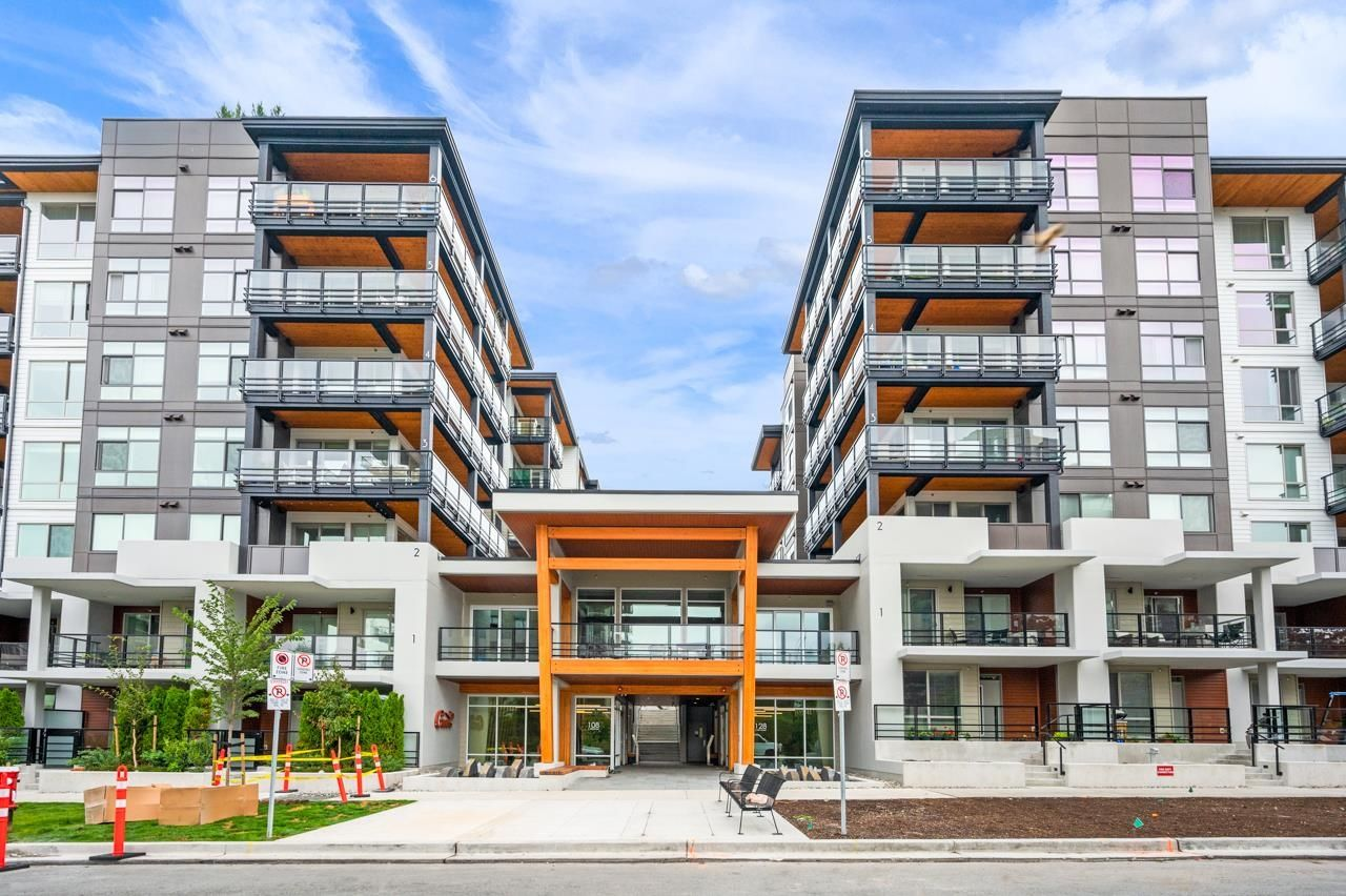 """Main Photo: 403 128 E 8TH Street in North Vancouver: Central Lonsdale Condo for sale in """"CREST"""" : MLS®# R2611340"""