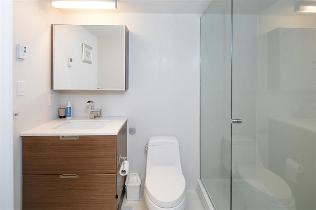 """Photo 16: Photos: 211 1635 W 3RD Avenue in Vancouver: False Creek Condo for sale in """"THE LUMEN"""" (Vancouver West)  : MLS®# R2230902"""