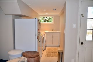 Photo 14: 402 LYON Place in North Vancouver: Central Lonsdale House for sale : MLS®# R2356670