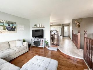 Photo 3: 8 Marion Crescent in Meadow Lake: Residential for sale : MLS®# SK867626