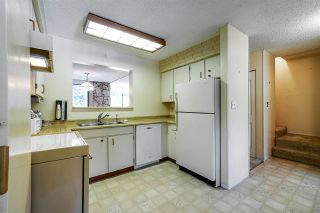 """Photo 10: 4768 CEDARGLEN Place in Burnaby: Greentree Village Townhouse for sale in """"GREENTREE VILLAGE"""" (Burnaby South)  : MLS®# R2388988"""