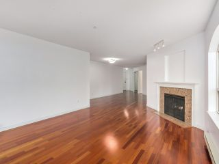 """Photo 14: 219 1869 SPYGLASS Place in Vancouver: False Creek Condo for sale in """"THE REGATTA"""" (Vancouver West)  : MLS®# R2327588"""